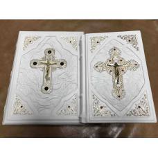 Библия в коробе (мятая кожа),инкрустированная драгоценными камнями.